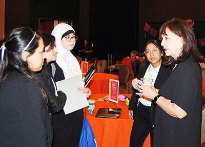 Bonnie Garcia meeting with students
